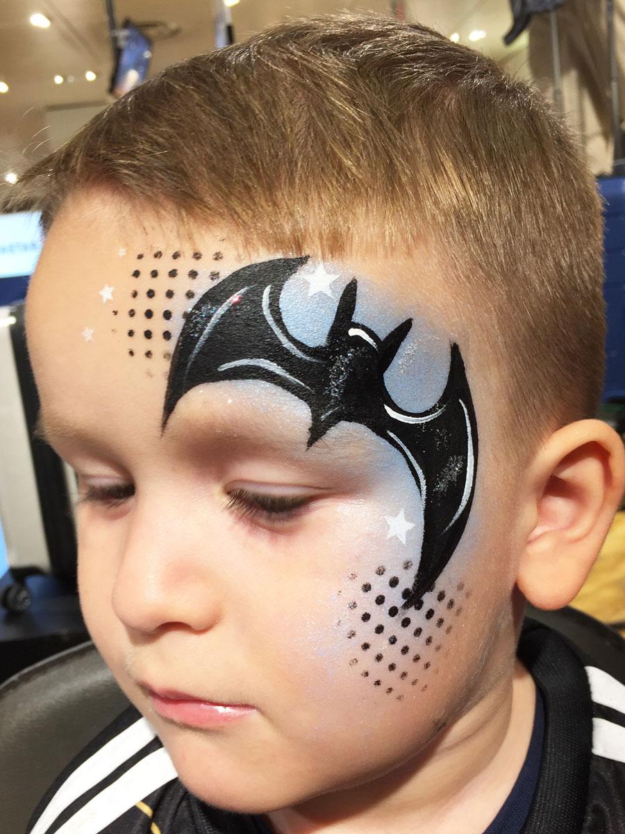 Maquillage garçon professionnel batman