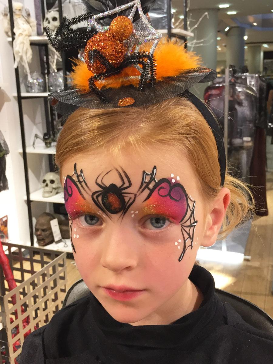 Maquillage fille professionnel araignée sorcière