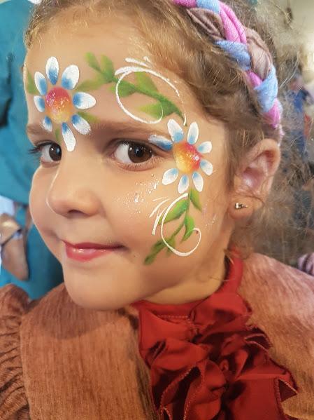 Maquillage fille professionnel marguerite fleur des champs
